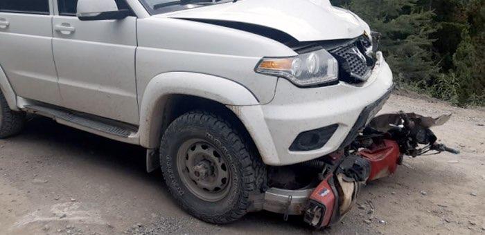 Мотоцикл столкнулся с внедорожником возле «Красных ворот», два человека погибли