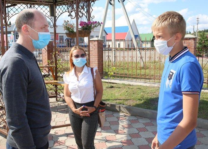 Глава республики посетил с инспекцией Чойский район
