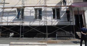 Начался капитальный ремонт дома №27 на проспекте Коммунистическом
