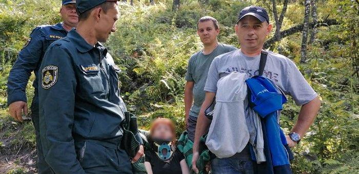 Туристку из Новосибирска эвакуировали со смотровой площадки в Чемале