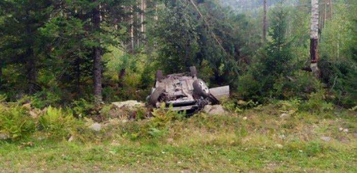 Мужчина погиб, перевернувшись на угнанном автомобиле
