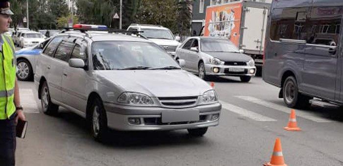 18-летний горожанин, переходивший дорогу на зеленый свет, был сбит машиной