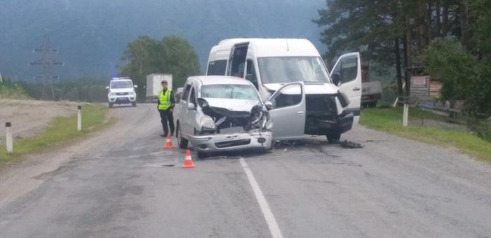 Три туристки из разных городов пострадали в ДТП в Чемальском районе