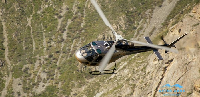 Вертолет совершил жесткую посадку на Белухе
