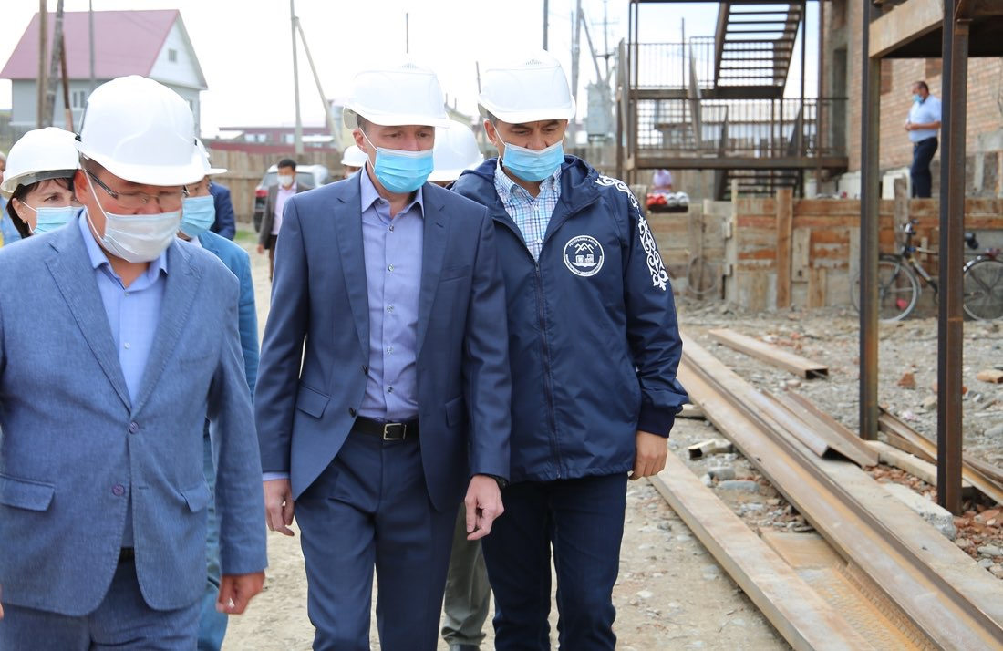 Строительство детского сада в Усть-Кане завершится в этом году
