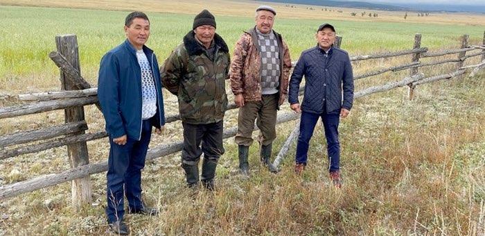 Депутаты посетили села Кош-Агачского района, пострадавшие от обильных осадков