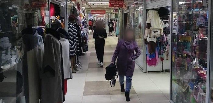 В торговых центрах проверили соблюдение масочного режима. Спойлер — соблюдают плохо