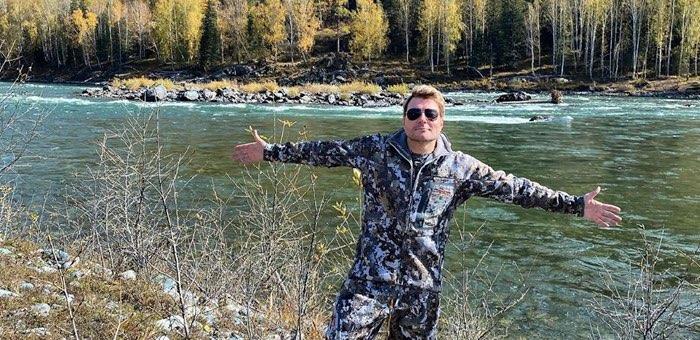 Николай Басков отдыхает на Телецком озере