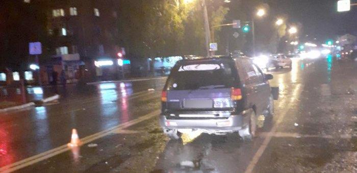 Нетрезвый водитель без прав врезался в машину, остановившуюся на светофоре
