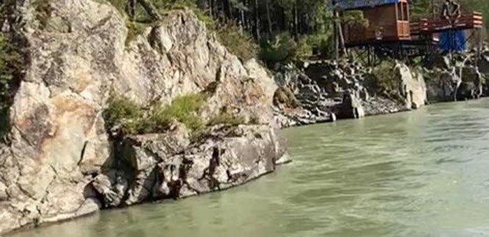 Туристка из Новосибирска попросила снять свой заплыв по Катуни на видео и утонула