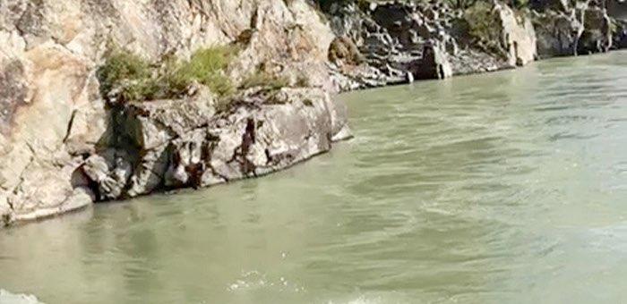 «Через два дня меня прибьет вон к тем камням»: туристка перед смертью в Катуни сняла пророческий видеоролик