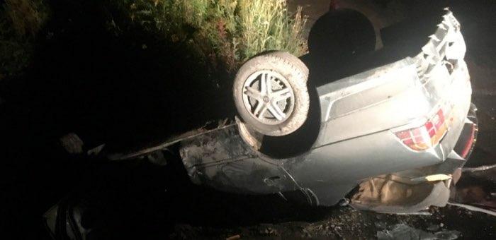 Ночью в Горно-Алтайске перевернулась Toyota Corolla
