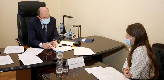 Глава республики возобновил личный прием граждан
