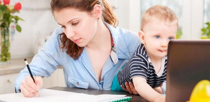 Более 50 мам дошколят прошли обучение новым профессиям
