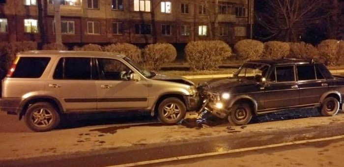 Нетрезвый водитель выехал на «встречку» и протаранил кроссовер