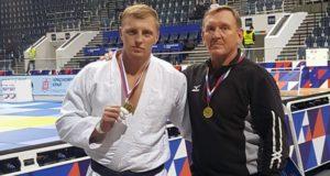 Андрей Томчук завоевал золото чемпионата Сибири по дзюдо