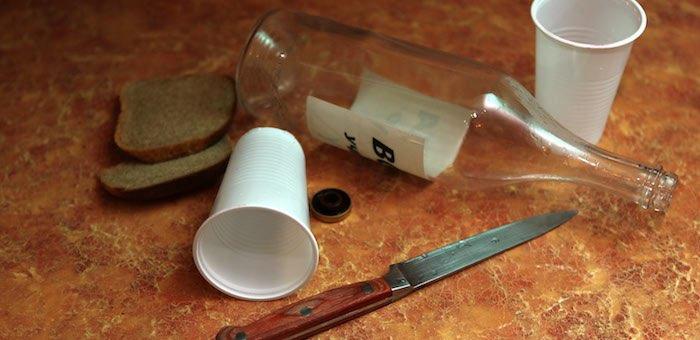 Ссора между сборщиками кедрового ореха закончилась ножевым ранением