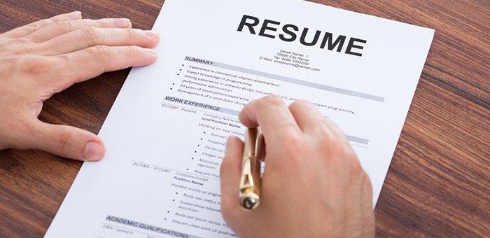 Ищем работу онлайн: когда следует обновить резюме