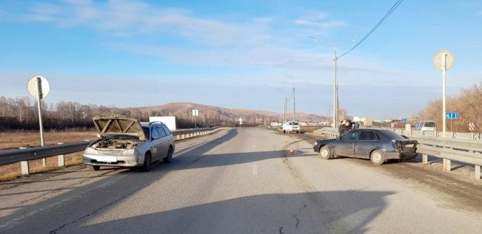24-летняя горожанка не справилась с управлением и устроила ДТП на Чуйском тракте