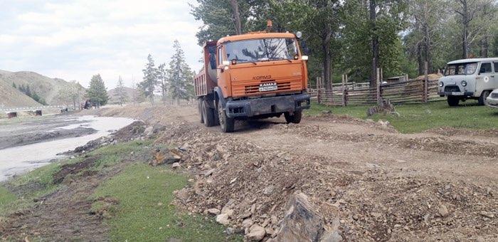 В Чаган-Узуне капитально отремонтировали противоледные дамбы