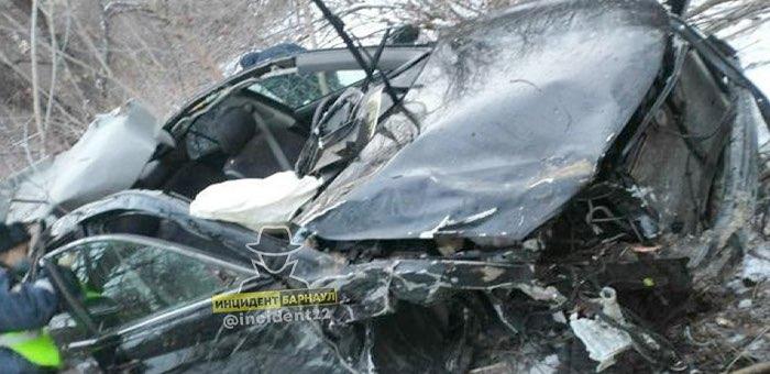 Жесткая авария возле «Сибирской монеты»: перевернулась машина с жителями республики