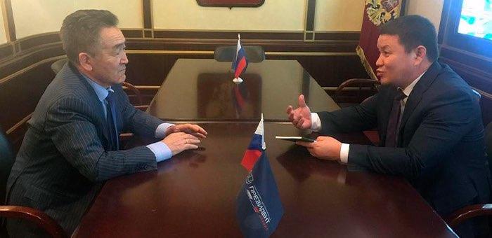 И. о. президента Киргизии провел рабочую встречу с Иваном Белековым