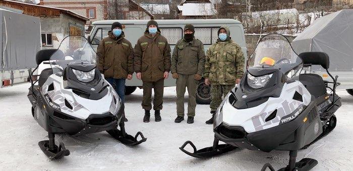 Охоткомитет получил снегоходы с прицепами
