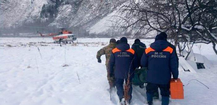 В профессиональный праздник спасатели эвакуировали женщину с труднодоступного кордона