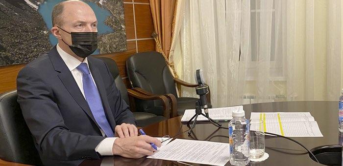 «Никаких корпоративов»: глава республики напомнил о новогодних ограничениях