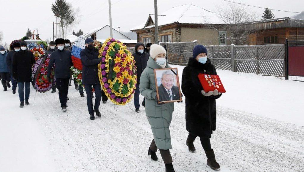 В Республике Алтай простились с Владимиром Тюлентиным