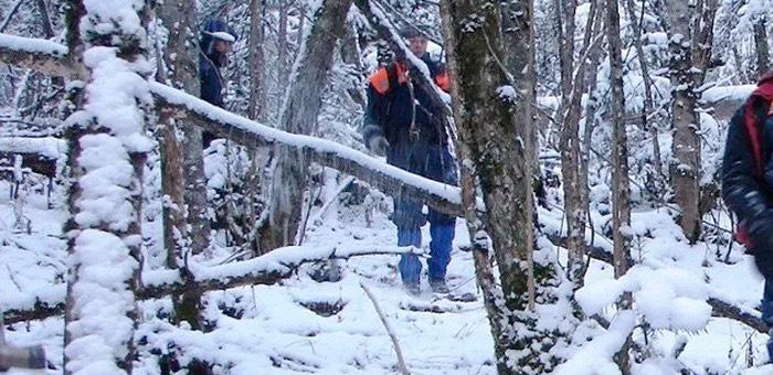 Спасатели нашли подростков, заблудившихся на горе возле Манжерока
