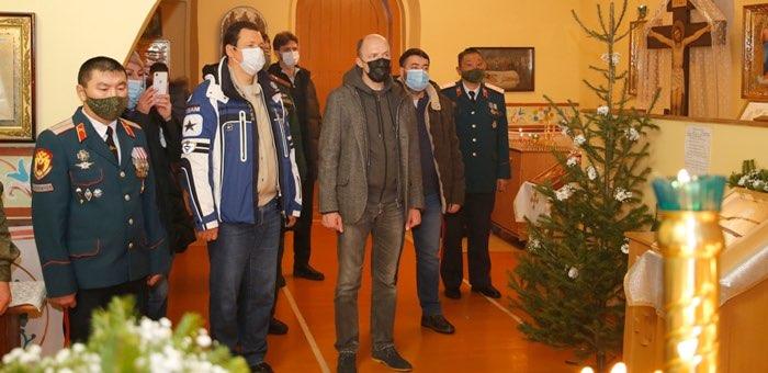 Глава республики принял участие в рождественском богослужении