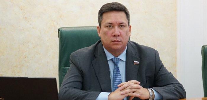 Владимир Полетаев вошел в десятку результативных сенаторов