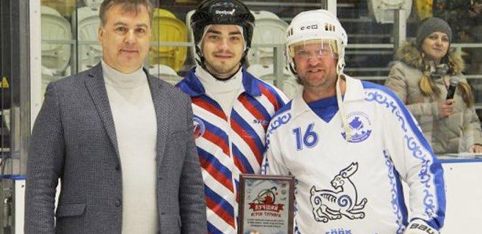 «Ветераны Алтая» стали призерами кубка Сибири по хоккею с мячом