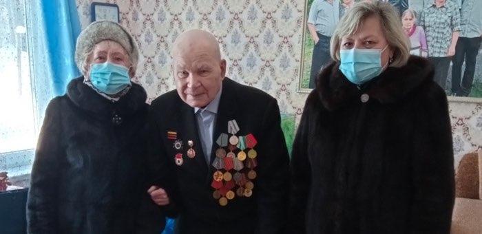 Ветеран Павел Глуховских отмечает 98-летие