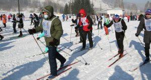 Более семисот человек поучаствовали в «Лыжне России»