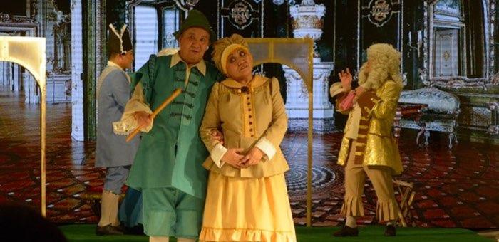 После «ковидного перерыва» театр показал мольеровскую комедию «Лекарь поневоле»