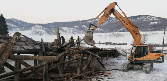 Дорожники восстанавливают два аварийных моста