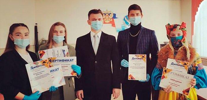 Пять человек получили стипендии главы Турочакского района