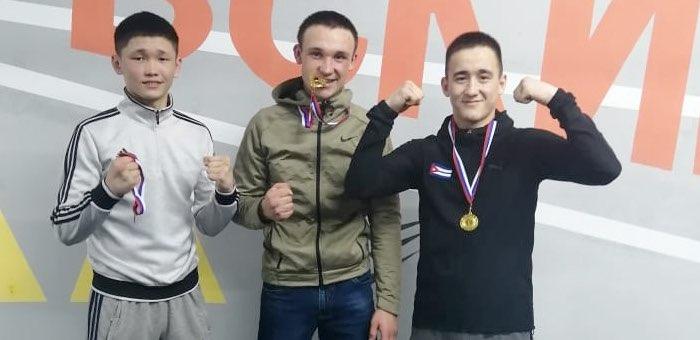 Боксеры с Алтая успешно выступили на соревнованиях в Кузбассе