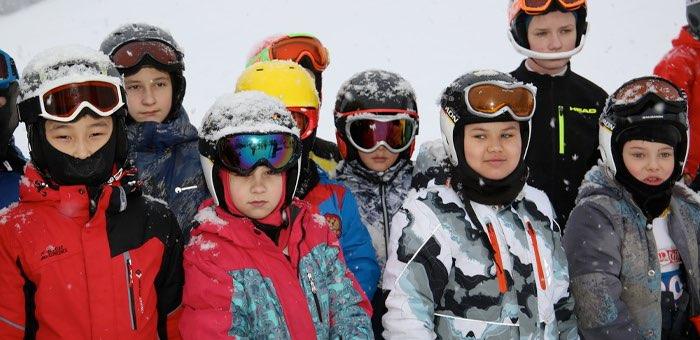 В Горно-Алтайске проходят соревнования по горнолыжному спорту
