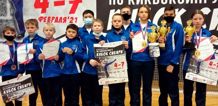 Три спортсмена с Алтая стали чемпионами Сибири по кикбоксингу