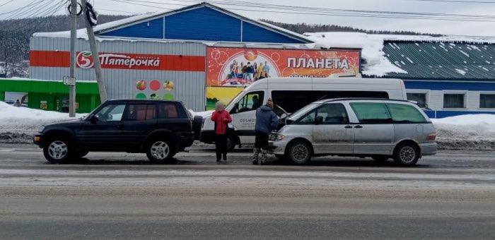 ДТП на «Мебельном перекрестке»: столкнулись две машины