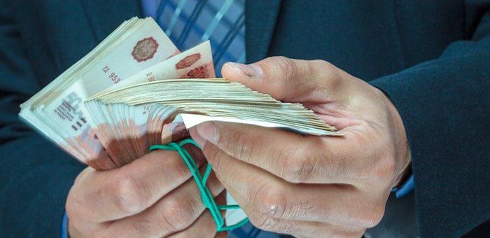 Министра здравоохранения и его помощника подозревают в получении взяток на 4,6 млн рублей