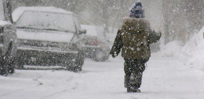 Штормовое предупреждение: снег, метели, ветер, похолодание