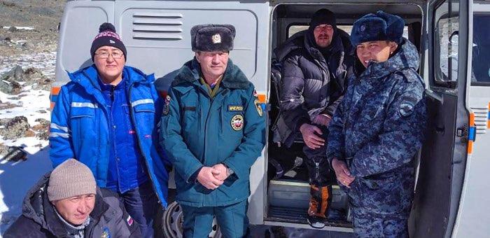 Кош-агачские пожарные спасли травмированного туриста из Москвы