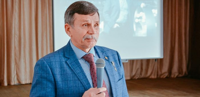Герой России Вячеслав Бочаров встретился с молодежью