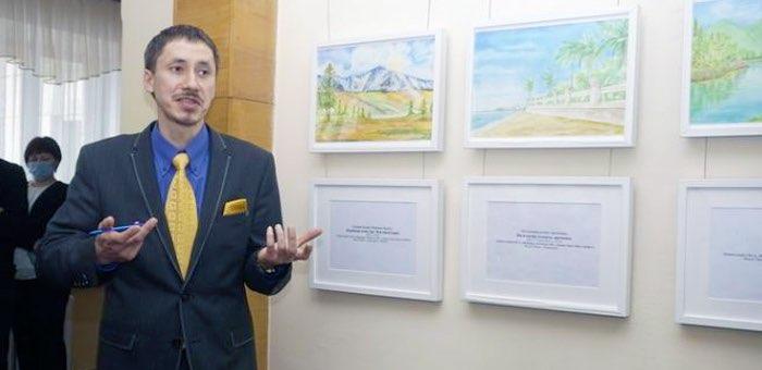 В Госсобрании открылась выставка Темира Троякова