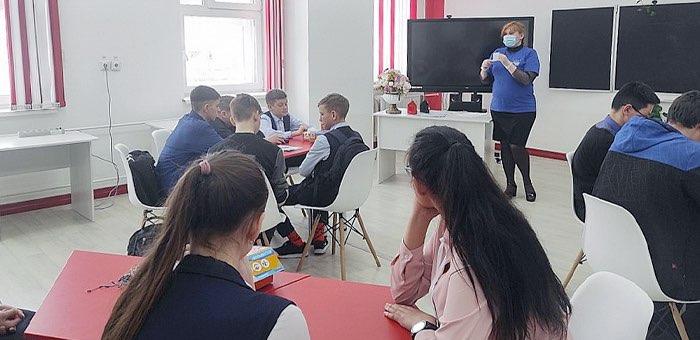 Мобильный технопарк «Кванториум» побывал в Улаганском районе