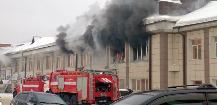 Пожар в ТЦ «Ткацкий» произошел из-за загоревшегося смартфона